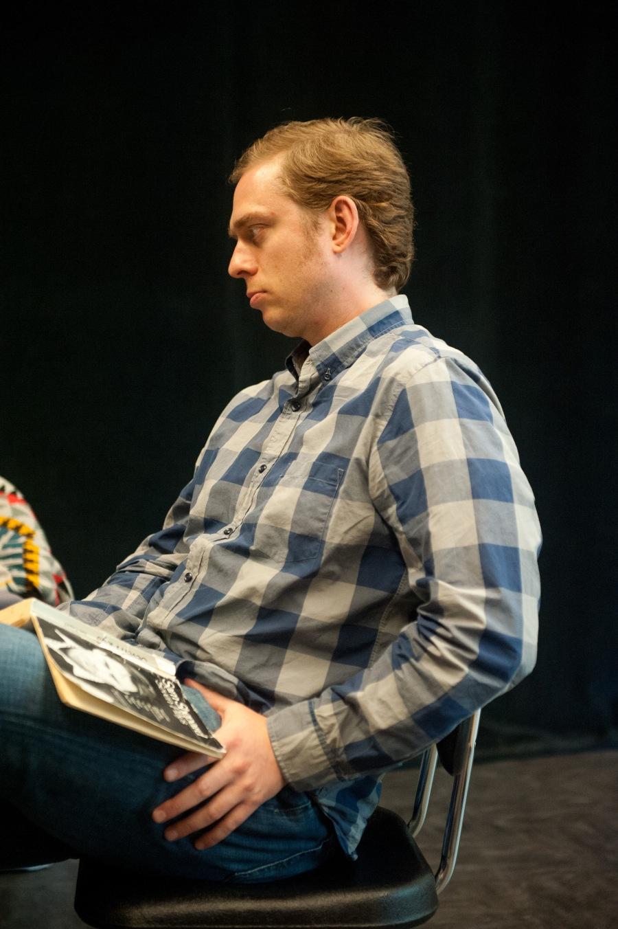 Dennis Kelly (Saul Kimmer).