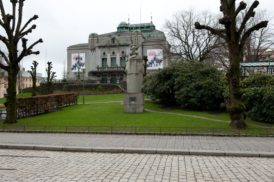 A wild-eyed Ibsen presides in front of Den Nationale Scene.  Bergen, Norway.