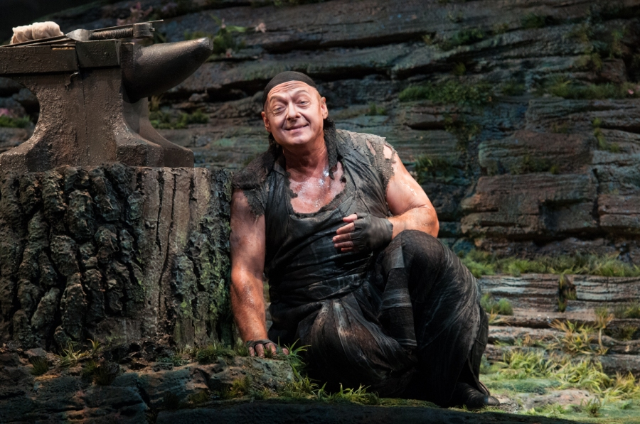 Wagner's Siegfried; Dennis Peterson (Mime). © Elise Bakketun photo