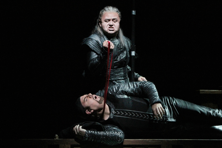 Wagner's Götterdämmerung; Richard Paul Fink (Alberich) and Daniel Sumegi (Hagen). © Alan Alabastro photo