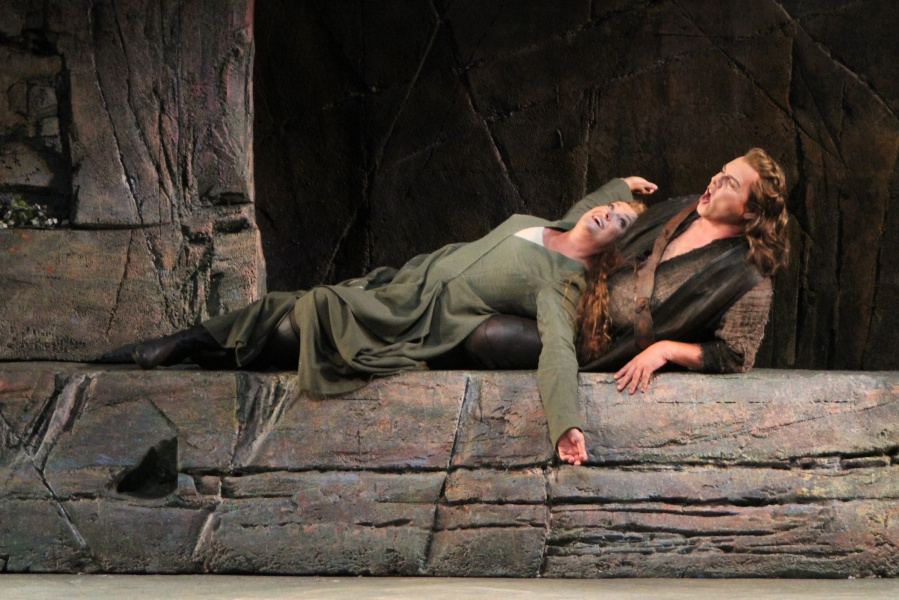 Wagner's Götterdämmerung; Alwyn Mellor (Brünnhilde) and Stefan Vinke (Siegfried). © Alan Alabastro photo