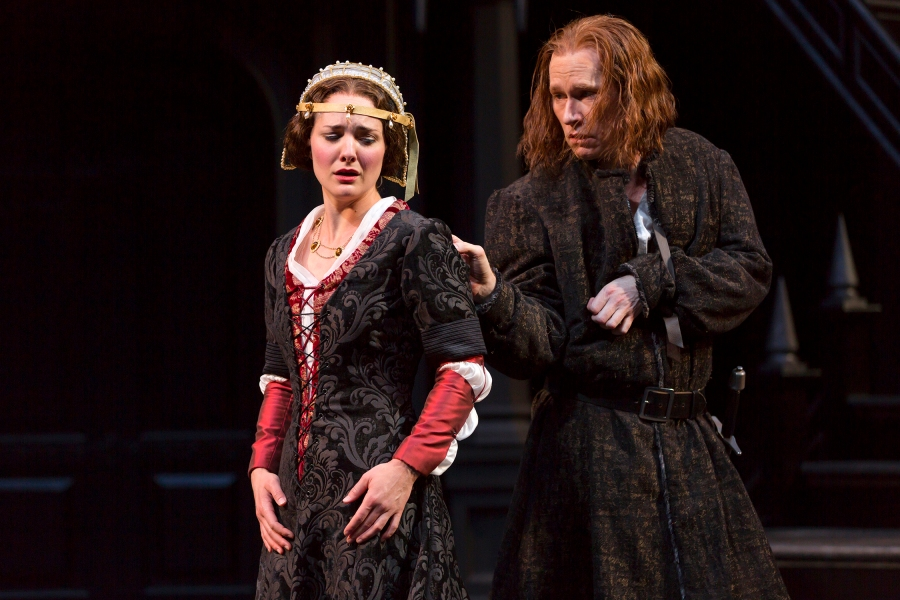 He looks dumb.  Note to self: He isn't.  Richard (Dan Donohue) woos the grieving Lady Anne (Kate Hurster). Photo by T. Charles Erickson.